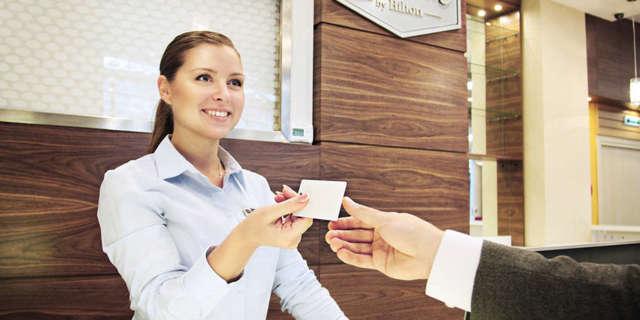 Гостиничный сервис – что это за профессия, кем работать и что нужно сдавать?