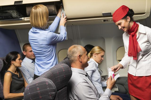 Профессия бортпроводник (стюардесса) - особенности, востребованность, профессионаоьные проблемы, что нужно знать о профессии